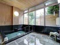*【浴場/男湯】ストレス、神経痛、疲労回復、健康増進などに幅広い効用あり