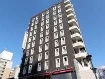 名古屋駅から徒歩4分。書斎をイメージした大人の隠れ家的なホテル
