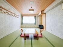 広々とした落ち着きのある和室です!!(12畳~)ゆっくりお過ごしください。