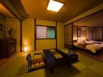 本館客室一例和室の8畳と洋室セミダブルベッドルーム
