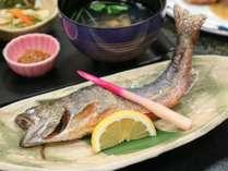 【岩魚塩焼き付】スタンダード+1品!炭火でじっくり焼き上げるイワナの絶品塩焼き