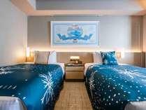 北海道銘菓「白い恋人」のパッケージ風にデコレーション♪1日1室限定のツインルームはゆったり28平米