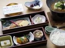 朝食の一例  朝露(あさつゆ)