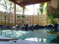 *【露天風呂】爽やかな箱根の風を感じながら、天然温泉で湯ったりとお寛ぎ下さい。