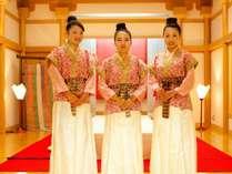 天平人がお出迎え、館内におりますので奈良の思い出に記念撮影はいかがですか♪