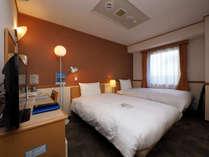 120cm幅セミダブルベッドが2台のツインルーム