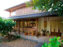 当館は国宝富貴寺大堂に隣接したお宿でございます。どうぞ国東半島の旅を楽しみにいらして下さいませ。
