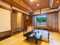 奈良町情緒若草山側客室、お部屋から東大寺・若草山が見えます♪