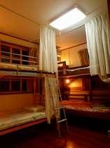 domitory roomsドミトリー部屋の一例(男女別です)