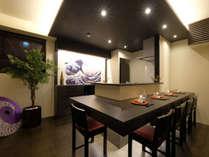 寿司バーをイメージしたカウンター