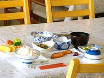 【ご朝食】地元産の味噌や卵など地産地消にこだわっています