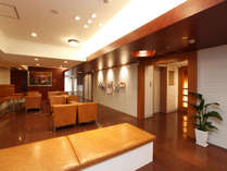 当館ロビーは1階フロント脇にございます。お打ち合わせやご歓談にご利用下さい。