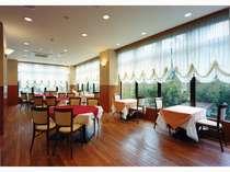 レストラン(朝食6:30~8:30)
