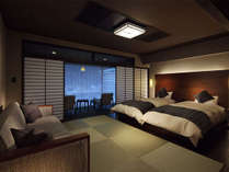 ■客室 和モダン(ツイン10畳) 鬼怒川渓谷の雄大な景観を借景に、せせらぎをBGMにおくつろぎください