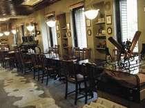 レストラン「バイプレーン」36席