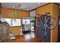 大切なバイクを施設内に持ち込みことができます。
