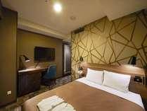 ベッド幅160cmのスーペリアダブルもございます!
