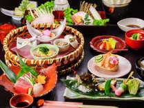 季節の旬会席♪新鮮な魚介や山の幸を使用した、料理長オススメ会席です。