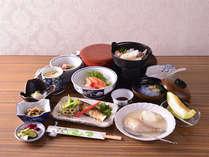 *お夕食一例(グレードアップ)/贅沢な休日にぴったりのお食事で満足度◎