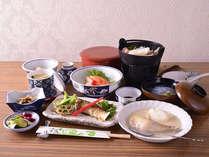*お夕食一例(スタンダード)/秋田の旬の食材を活かした料理長自慢の料理。