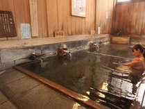 【大湯】泉質は単純硫黄泉。胃腸病・リウマチ・婦人病・中風に効果的。