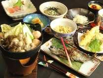 山の幸堪能♪ヘルシーきのこいっぱい鍋のお料理一例