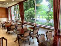 併設カフェレストラン黒門
