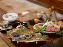 個室の囲炉裏お食事処にて飛騨の幸と特選飛騨牛の炭火焼ステーキをお楽しみ下さい