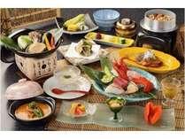 伊勢海老、あわび、牛ヒレ肉など贅沢食材を存分に「夏の匠(たくみ)会席プラン」