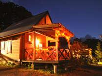 【クリスマスコテージ】夜になるとライトアップが可愛いです。