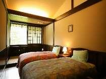 和洋室ツインタイプには小さな畳のスペースが付いてます。