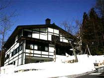 奥飛騨温泉郷「のりくら一休」冬の外観です。あったかい温泉と料理を用意してお待ちしております。