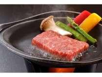 料理の一例 -和牛陶板焼き-