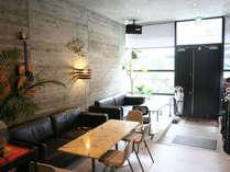 コンクリート打ちっぱなしの建築デザインは、下町の安藤忠雄!?とも称されています。