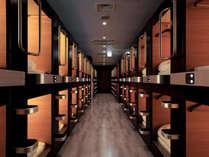 男性カプセル室