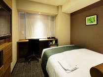 シングルルームA 12平米 ベッド幅140cm ※お部屋の向きによって若干作りが異なります。