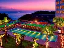 【天然温泉プール】南国のリゾート感にあふれています。年中利用可能♪ ※イメージ画像