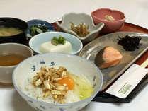 【朝食付き】人気の卵かけごはん♪特産「黄ニラ」を使った自家製ダレで召し上がれ