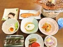 *【朝食一例】旅館ならではの和定食