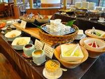 【朝食バイキング】当館シェフ手作りのヘルシーバイキング!朝からしっかり食べて今日も一日頑張ろう!
