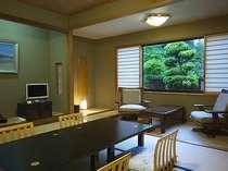 秋田杉を使った数寄屋風の客室 Bタイプ客室