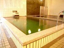 【高温風呂】当ホテルには多種多様な浴槽があり、色んな湯をお愉しみいただけます。