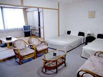【和洋室一例】和と洋のいいとこどり!畳でごろごろ&ベッドで熟睡…が叶うお部屋♪