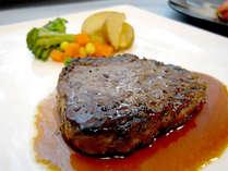 【洋食ディナー一例】メインはジューシーなステーキ!やわらか~いお肉をご賞味下さい♪