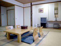 【和室18畳一例】広々とした2間続きの和室。2名~グループさんまでご利用いただけます。