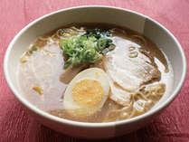 【大阪ラーメン】2階大食堂『羅漢』の人気メニュー『大阪ラーメン』。