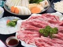 *【すき焼き一例】お肉のおいしさを存分に楽しめるすき焼きも、当館人気のコースです。