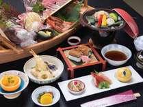 *【舟盛会席一例】船盛、天ぷら、にぎりも!旬の海の幸をふんだんに使った会席料理です。