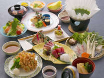 【月替わり会席一例】旬の食材を使ったお料理。当館の料理人が1つ1つ丁寧にお作り致します。