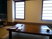訳あり和室(窓がすりガラスとなっており、景色無し))